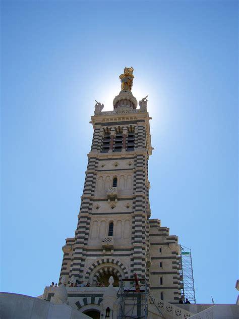 La Basilique Notre-Dame de la Garde à Marseille.